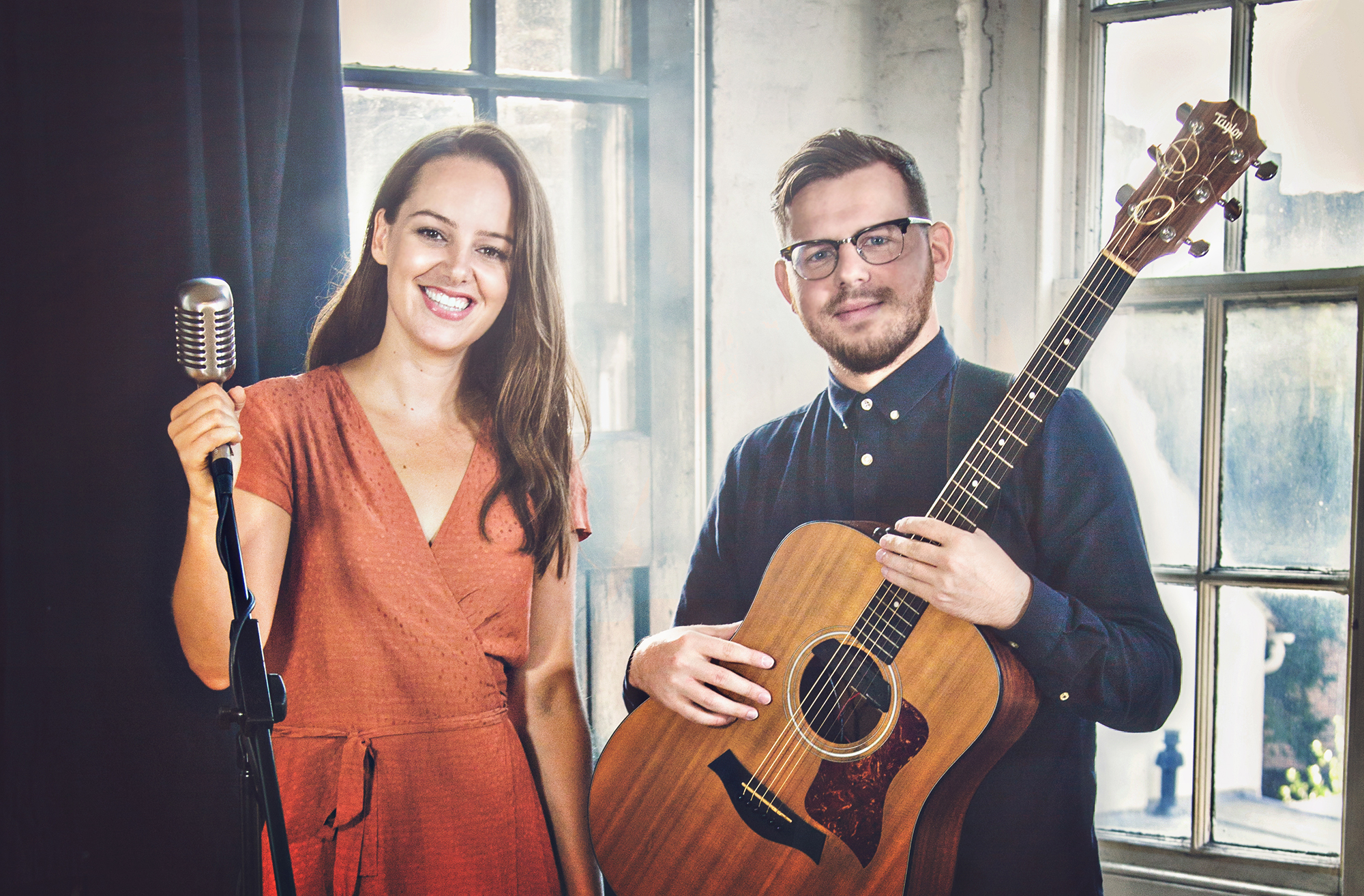 photo of Ward Smith, London based acoustic duo